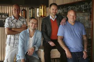 Karl Linde, Miroslav Sokcic, Anders Wennerstrand och Zvonko Sokcic gillar alla att äta och resa.