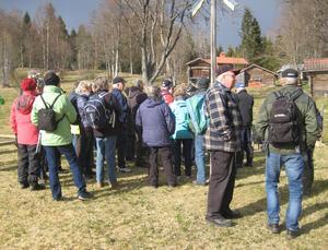 Årets första vandring lockade öv er 30 personer.