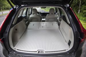 1 432 liter i bagageutrymme med nedfällt baksätet är bland det minsta i segmentet.