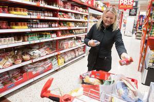Carina Jansson är en av de kunder som anser att det kan vara lite rörigt i butiken.