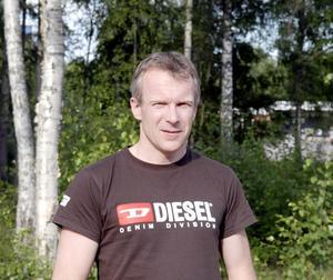 Damtränare. Patric Groth blir ny tränare för Karlsbyhedens damlag som spelar i allsvenskan den kommande säsongen. Patric är en av Karlsbyns verkliga veteraner och har spelat i klubben sedan sexårsåldern.