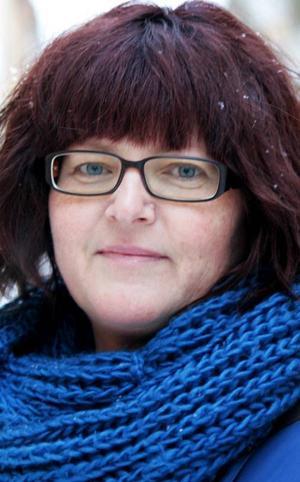 Diana Dahl, 44 år, Torvalla:– Nej, det kommer jag faktiskt inte att göra. Jag tycker att det är för många tävlingar. Jag brukar se på den sista, finalen. Men jag röstar inte.
