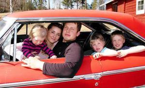 Hela familjen Galaxie. Från vänster Olina, Sandra, Markus, Anton och Simon.