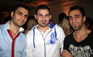 Blue Moon Bar. Farhad, Haki och Zizu