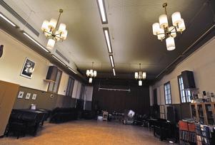Orkestersalen i Kulturskolan ser ut i stort sett som förr medan ombyggnationer pågår i andra delar av kulturkvarteret.