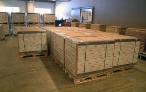 Fortfarande står nya golv och väntar på att levereras till Ikea och ett ansenligt lager andra sorteringsgolv kommer att säljas på hemmaplan.