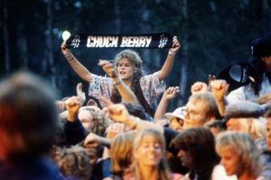 Runt 5 000 personer kom till Hede Folkpark när Chuck Berry rockade loss 1989.