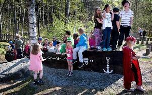 Så här såg det ut vid invigningen av lek-piratskeppet i maj. Foto: Peter Ohlsson/Arkiv/DT