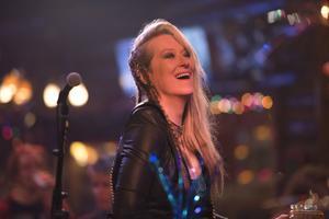 Meryl Streep spelar bedagad rocksångerska i