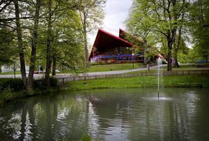 Nej tack, inga bostäder här inte. Örebroarna vill att Brunnsparken väcks ur sin törnrosasömn och blir en levande park igen.