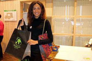 Erica Sandberg tycker att företagsmässan var bra. Hon visade upp sitt projekt Duniani som är ett miljöprojekt i Tanzania. Förtjänsten från de miljövänliga påsarna går till miljöprojektet ska ska bygga upp en återvinningsstation och öka kunskapen om återvinning i Tanzania.