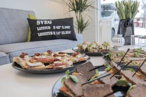 Borden stod dukade när Workplays invigdes i Sveg.