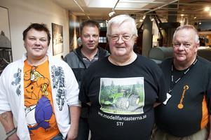 Kvartetten som arrangerade modellfordonsmässan, från vänster Peter Johansson, Stora Skedvi, Peter Croner, Falun, Stefan Träff, Borlänge, och Jan Andersson, Borlänge.