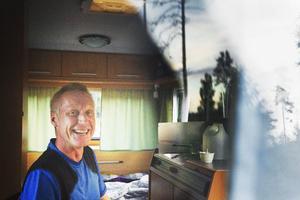 Bengt-Åke Magnusson har rest ända från Helsingborg för att dansa på Åsliden. Kvällen hoppas han ska bli