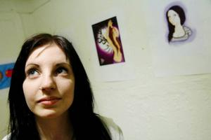 Det är roligare att rita i datorn än med pensel och färg. Det tycker Mikaela Eliasson som vill jobba med digital grafik i framtiden.