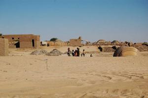 Podge kunde konstatera att barnen i Mali växer upp under ganska annorlunda villkor än svenska barn.