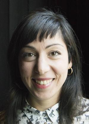Safoura Safavi är uppvuxen i Krokom och mötte Marie Moberg på Stockholms dramatiska högskola.