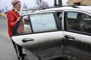 Maj-Britt Häggkvist kör sin egen lilla demonstration.