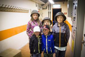 Esther, Nore, Joppe, Bella och Henry besökte det nedlagda bergrummet.