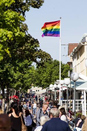 Pride, Söderhamn först och störst med sin sommarfestival, följs av andra, bland annat i Hudiksvall.