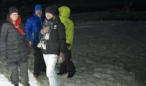 Kommunchefen Gunnel Gyllander var på plats på toppen på Hamra tillsammans med Johanna Sammeli, ekonomichef i Grönklittsgruppen.