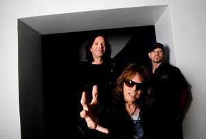 När Europe nu släpper sitt åttonde studioalbum medverkar kreddiga popartister som Kleerup och Titiyo på några av låtarna. Från vänster: John Norum, Joey Tempest och Ian Haugland.