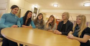 Latinelever på Slotte, från vänster: Assil Hamad, Titti Landström, Helena Nilsson, Lovisa Jonsson, Kalle Halvarsson och Erika Knutsson.