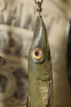 – Titta vilket fantastiska arbeten. De svenska dragtillverkarna, som var guldsmeder, på 1800-talet var bäst, tycker samlaren Hans-Erik.