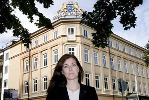 MINNEN TILLBAKA. Hotelldirektören Malin Grönberg minns brandnatten och är lättad. Nu kan hon säga till gästerna på Scandic CH att en man är gripen misstänkt för branden.