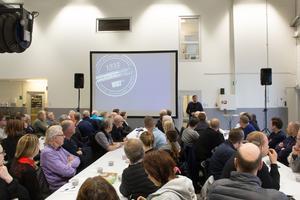 Ett 90-tal företagare hade anmält sig till frukostmötet som hölls hos fordonsföretaget Wists lokaler på Källhagens industriområde i Avesta. Kommunalrådet Lars Isacsson informerade om vad som händer kring etableringen i Horndal.