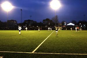 Provspel för nigerianerna Raymond Japhet och Jacob Ballah, officiell debut för Sebastian Lundbäck och flera nya spelare - det bjöds på mycket från ÖFK's sida mot AIK trots förlust.