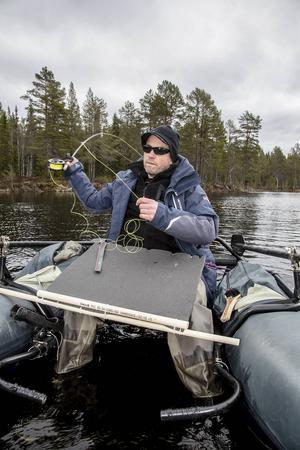 Det är många som förknippar flytringar och pontonbåtar mest med flugfiske, men Börje Mattsson började med att spinnfiska efter gädda när han skaffade en flytring.