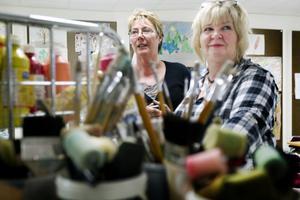 Gun Olander och Carina Wiklund har numera sitt bildterapirum på sjukhuset.