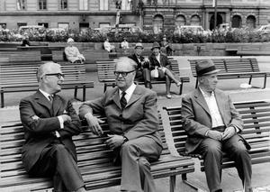 Politikerna Bertil Ohlin, Folkpartiet och Tage Erlander, Socialdemokraterna hade redan på 1930-talet  olika åsikter om löneskillnader och hur mindre kvalificerade får jobb. Så mycket är sig likt i politiken