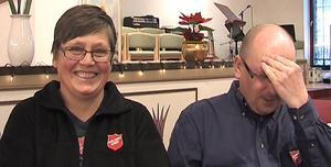 Solveig och Benny Grunditz jobbar båda för Frälsningarmén för att så många som möjligt ska få en bra jul.