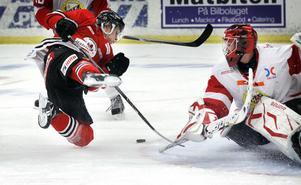Hudik Hockey flyger fram på hemmais.