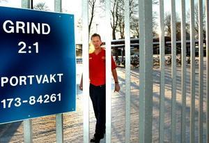 FÅR GÅ HEM. Stefan Casserlund är en av 800 metallare som får ledigt med bibehållen lön när Sandviks fabrik i Gimo tvingas släcka ner delar av produktionen.