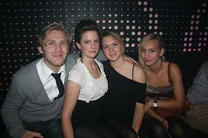 Pluto. Johan, Pauline, Sofie och Katleen