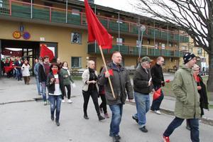 Vänsterpartiets 1000-barnsmarsch på första maj utgick från Nya Bruket.