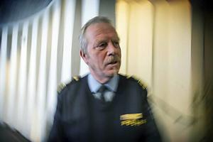 Polisens presstalesman, Stefan Dangardt, fanns på plats under måndagens demonstration vid Stora torget.