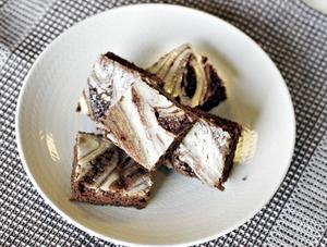 En god och saftig kaka bakad i långpanna.
