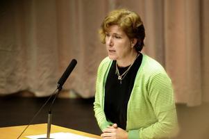 Maria Gehlin (FAP) gick till hård attack mot de rödgrönas sätt att sköta skolans ekonomi, där gymnasieskolan just nu har ett underskott på 26 miljoner kronor
