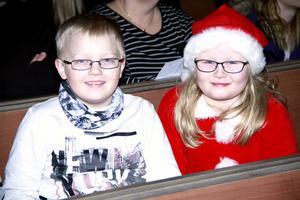 Leo Jansson och Tindra Erixon var på plats för att se luciatåget.