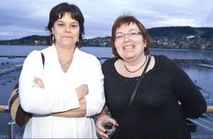 Tillresta från Umeå var Jenny Lidström och Yvonne Strömberg som besöker i Östersund i samband med en kongress.  Det blir kanske rätt tidigt ikväll eftersom vi har kongress i morgon också, säger Yvonne och tittar underfundigt på Jenny.