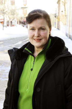Hanne Alvner (M), svarar Marie-Louise Forsberg-Fransson 16 juni