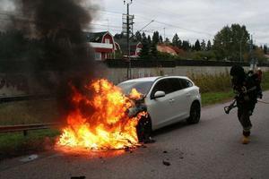 Brinnande bil i Avesta