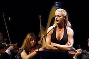 Malena Ernman, megastjärnan från Sandviken, gör i mars två framträdanden med Sandviken Big Band.