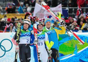 Kostelic, Razzoli och Myhrer, medaljörer i herrarnas slalom.