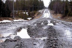 Per Johan Skoglund undrar hur regionförbundet kan acceptera de orättvisa väganslagen.