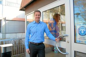 Lättad. Textilias vd Fredrik Lagerkvist behöver inte längre fundera på om huvudkontoret ska flyttas. Både kontoret och tjänsterna är säkrade i stan.